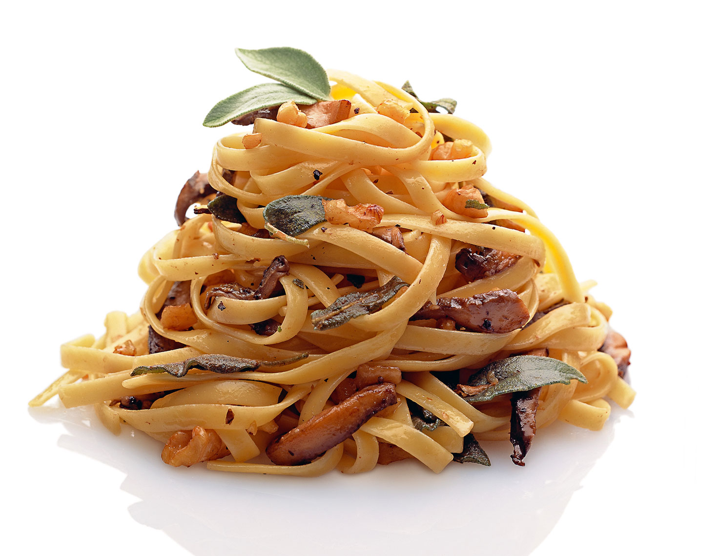 Linguini with Mushrooms on White Seamless
